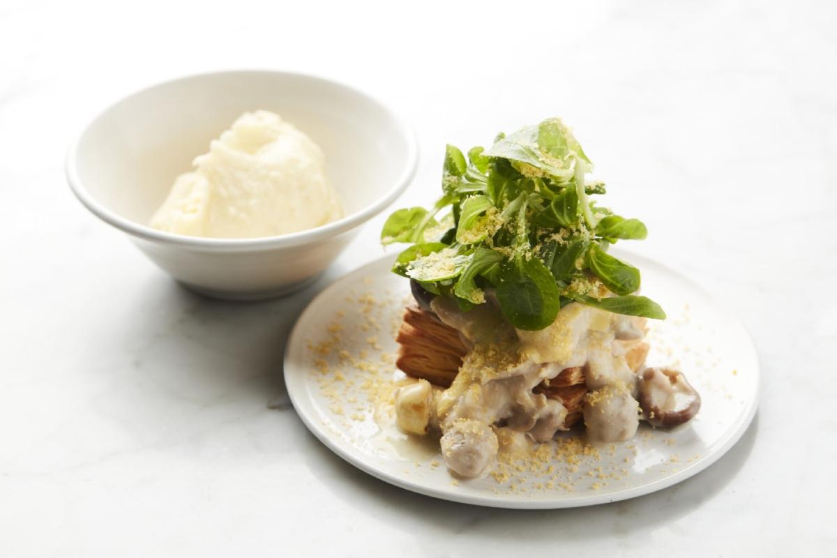 Bord vol-au-vent met aardappelpuree