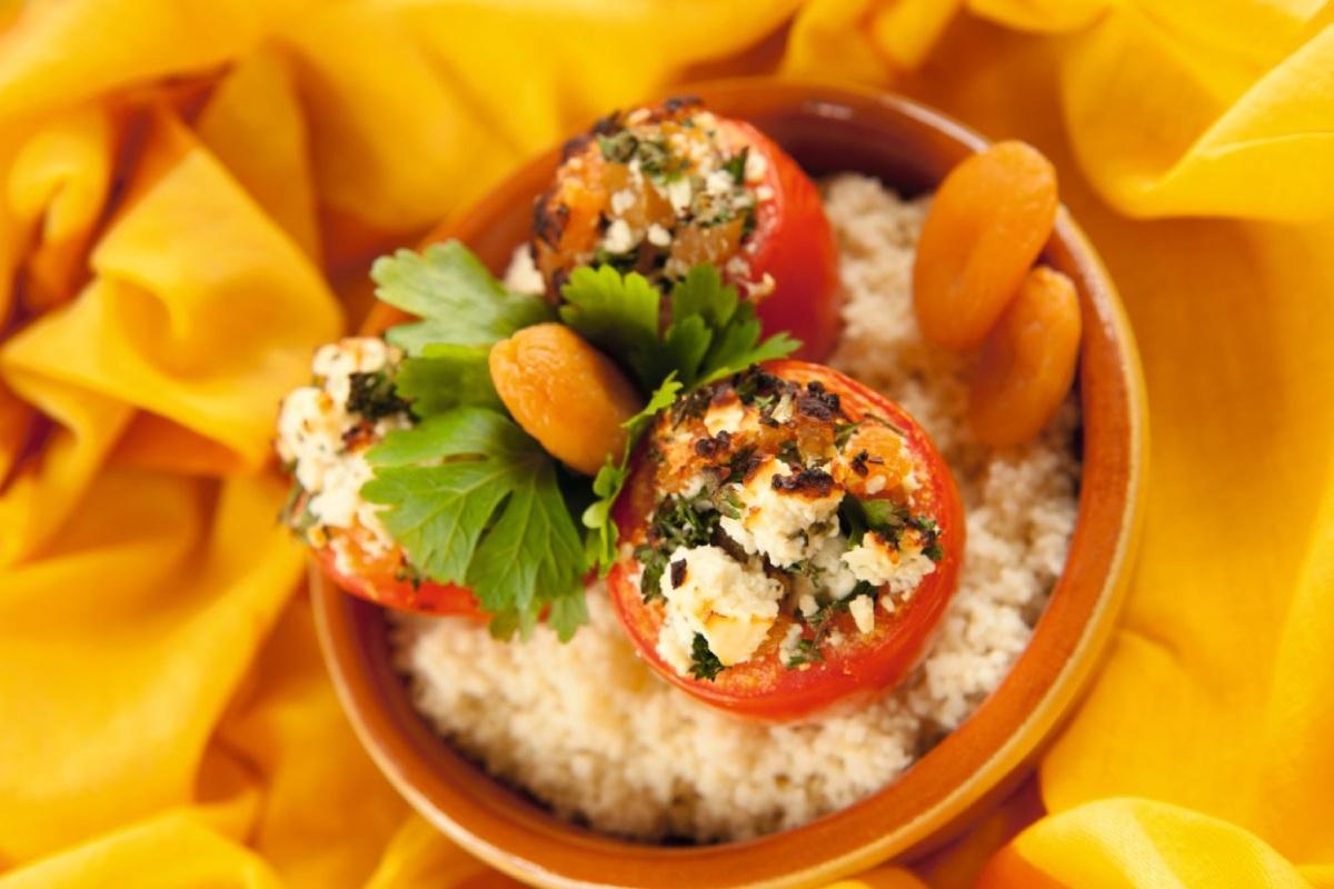 zuiders gevulde tomaten met couscous