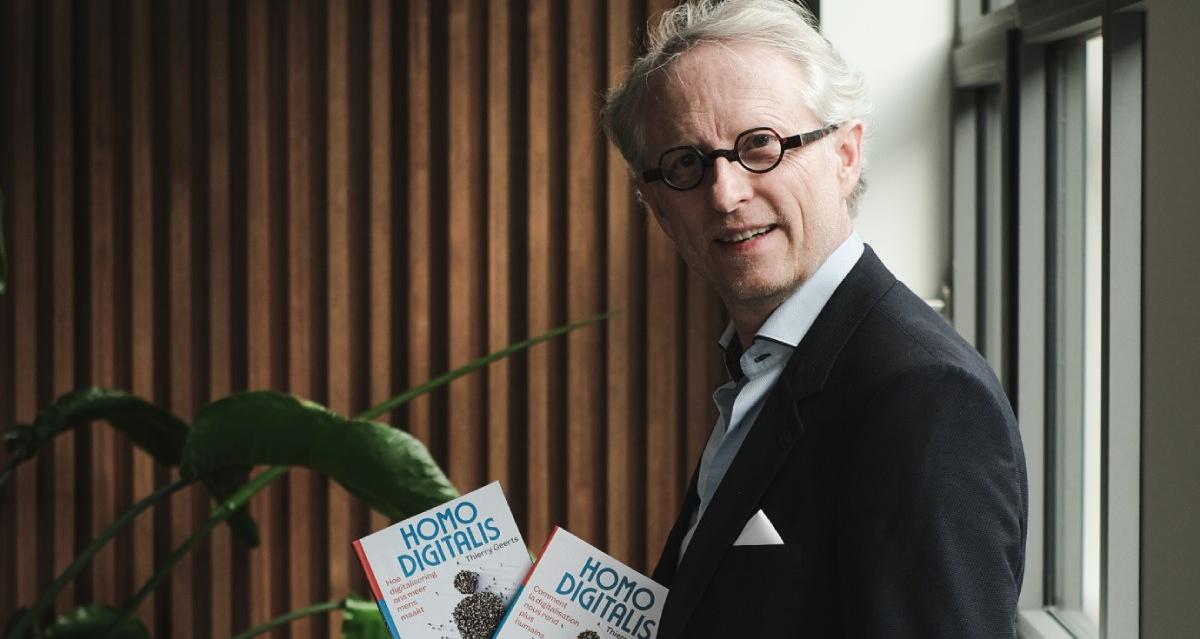 thierry geerts met boek homo digitalis