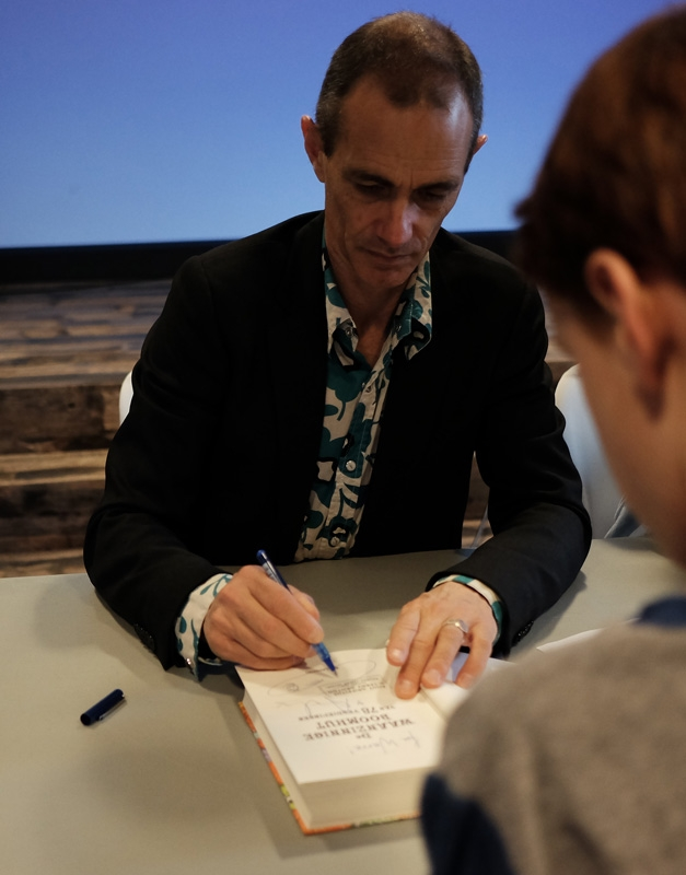 Andy Griffiths signeert