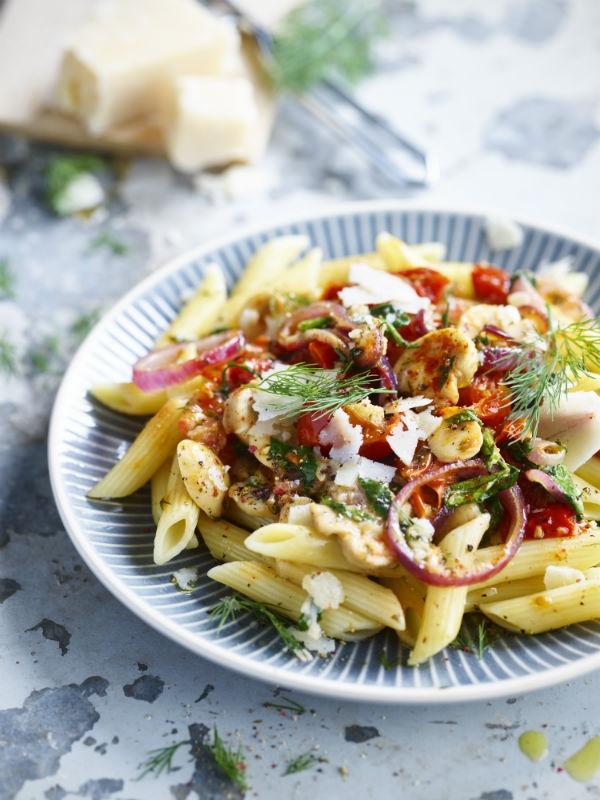 Pasta met spinazie en zongedroogde tomaatjes uit De flexikok 2 van Veerle De Brabanter