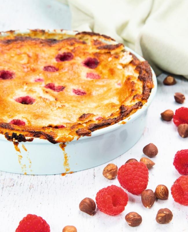 foto gerecht kaastaart met hazelnoten en framboos