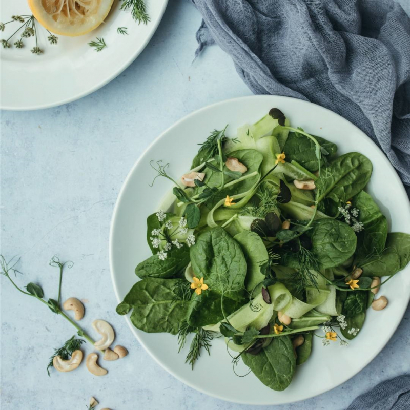 ontbijt met spinazie en courgette