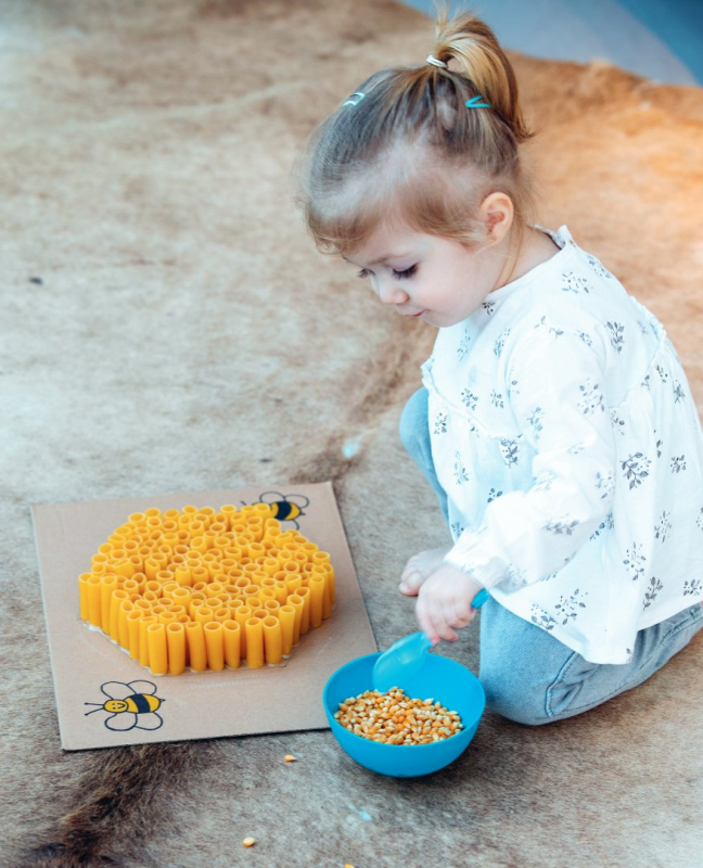 kleuter pasta vloer macaroni mais potje