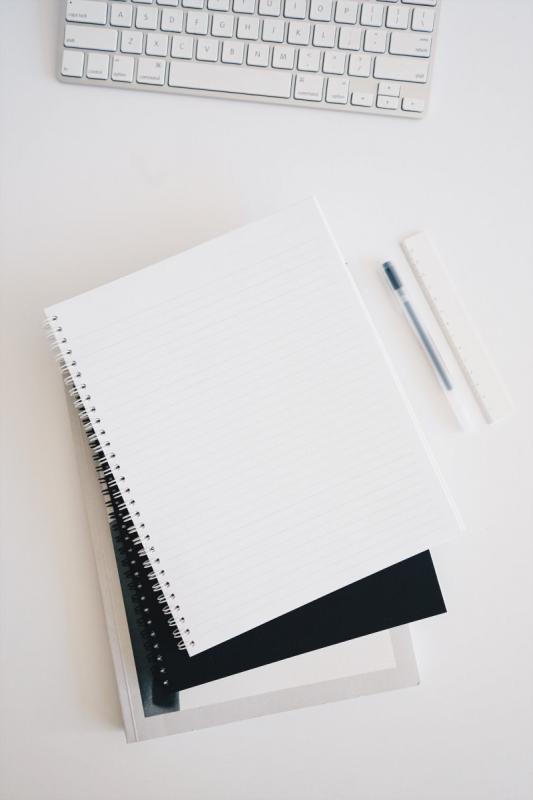 notebook pen en laptop